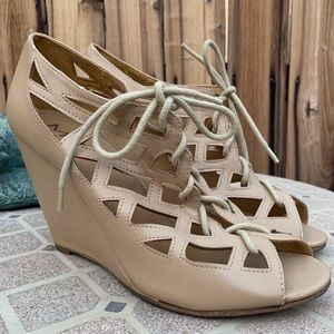 MIA Wedges